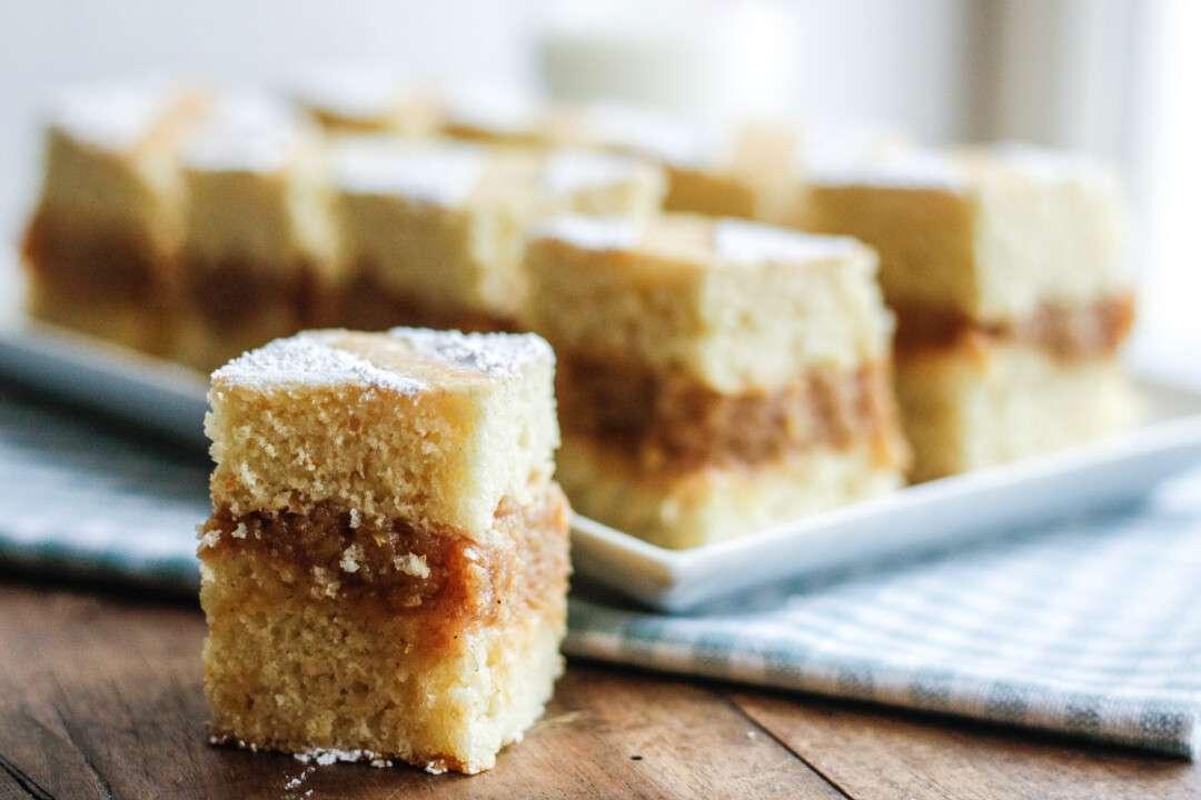Dolci Da Credenza Su Alice : Torta di mele rumena unamericanatragliorsi